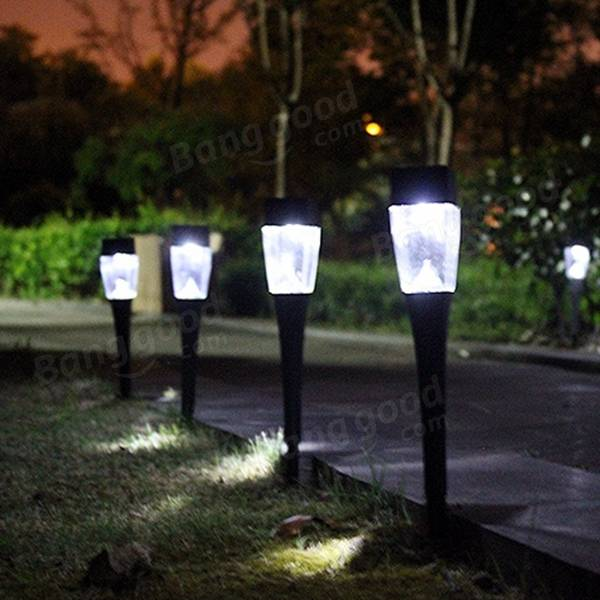 0.8W Solar Powered Plastic Outdoor Garden LED Paisagem Light Path Lawn Yard Lamp
